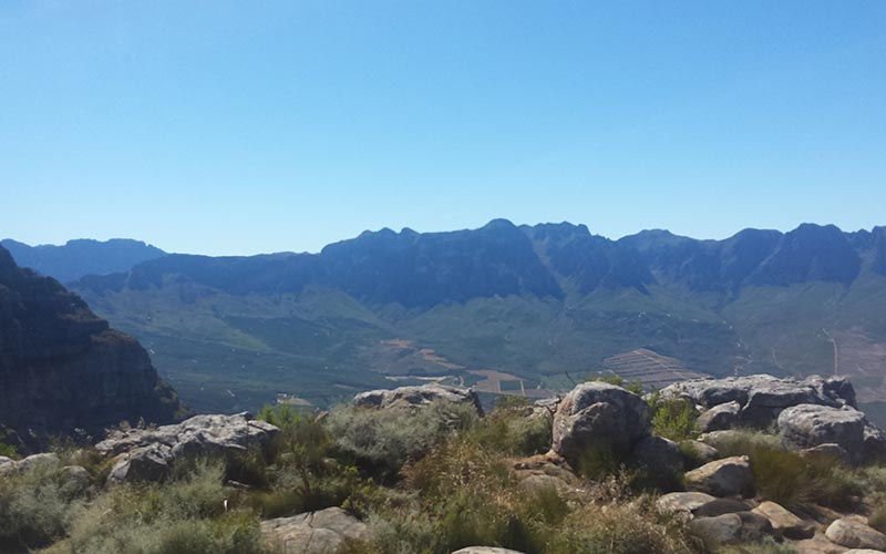 Hottentots Holland Mountains – Franschoek Pass. Car off road. Technical recovery.