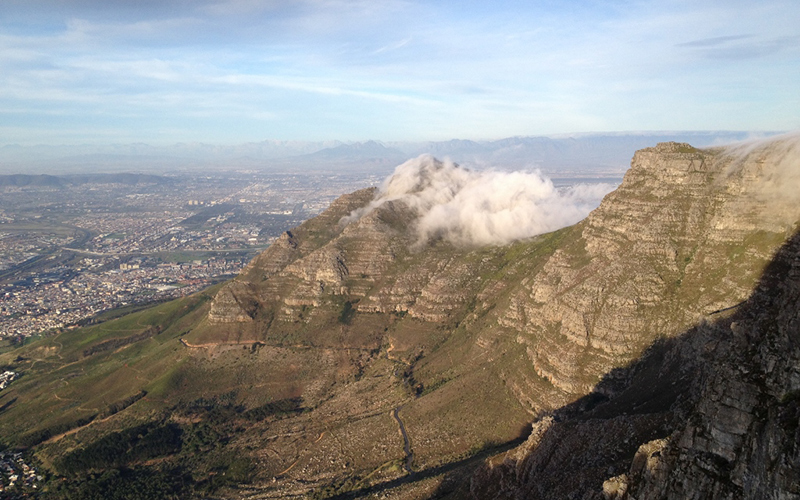 Table Mountain – Front Table – three hikers caught by bad weather, guided down